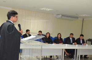 Acadêmicos de Direito da Ufersa participam de aula prática